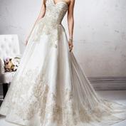 Вышивка золотом и серебром на свадебном платье